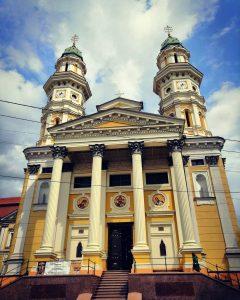 travelfan.sk užhorod katedrála povýšenia svätého kríža