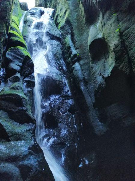 Skalné mesto Adršpach Ohromný vodopád