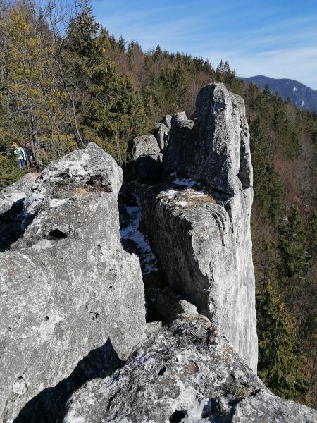 skala nad Komjatnou prvý výbežok