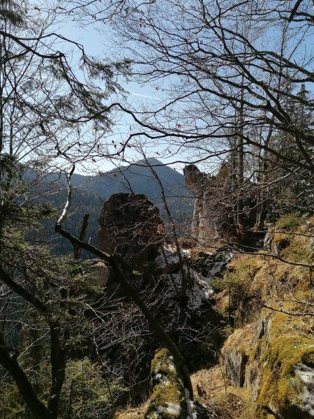 konečne na mieste pred skalou nad Komjanou