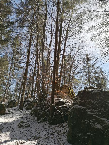 les ku skale Komjatná