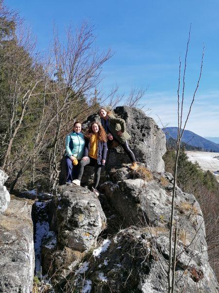 Na skale nad Komjatnou